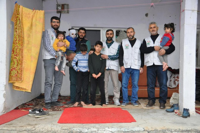 Avrupa Yetim Eli'nden Suriyeli aileye yardım