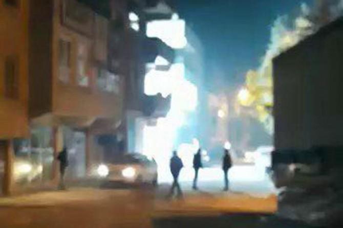 Şanlıurfa'nın Devteşti Mahallesinde trafonun patlama anı kameralara yansıdı