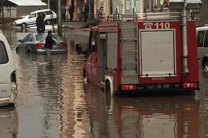 Güney Ege kıyıları ile Antalya ve Adana için kuvvetli yağış uyarısı