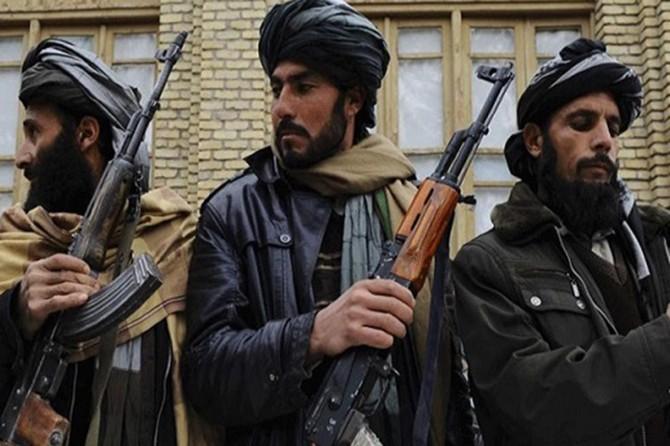 Taliban Afgan ordusunu içeriden vurdu