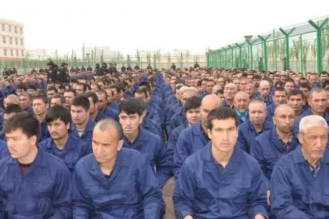 Çîn belgeyên îhlalên mafên însanî yên ku li Uyguran tên kirin ji holê radike