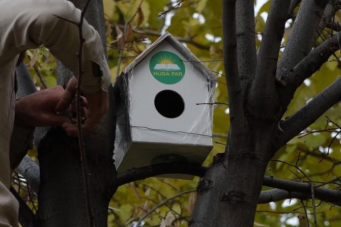 HÜDA PAR'lı gençlerden parklara kuş yuvaları
