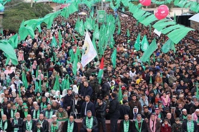Hamas, kuruluşunun 32'nci yıl dönümü münasebetiyle büyük bir gösteri düzenledi