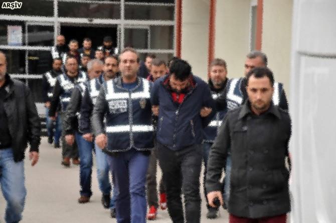 Gümrük'te operasyon: 42 gözaltı
