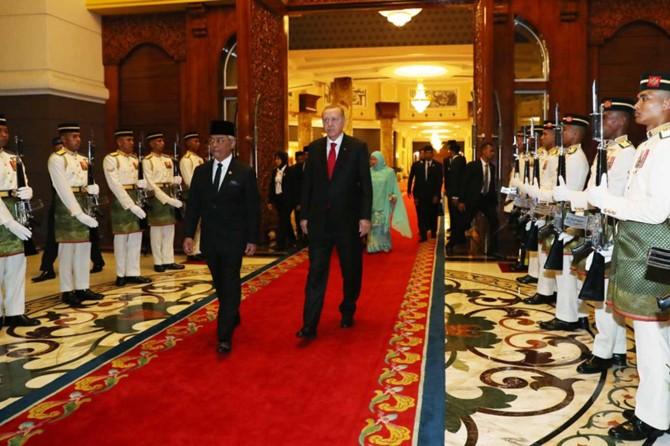 Cumhurbaşkanı Erdoğan'dan Malezya temasları