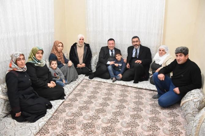 Bağlar Belediye Başkanı Beyoğlu'ndan aile ziyareti
