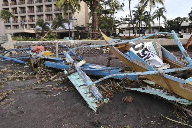Filipinler'i tayfun vurdu: 28 ölü 12 kayıp