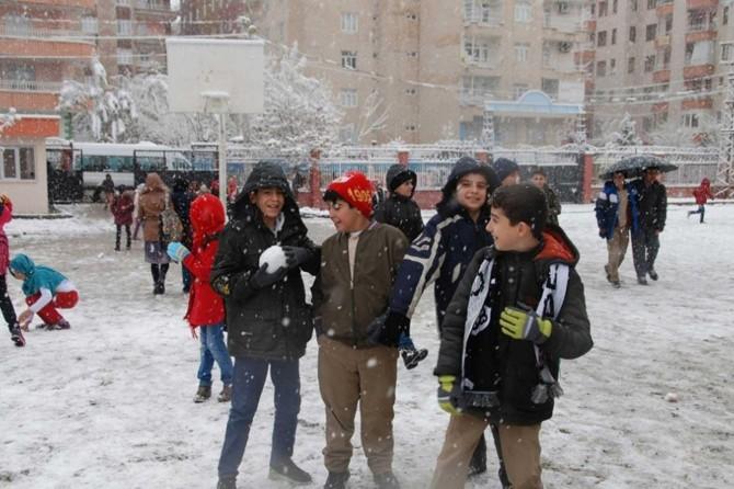 Eskişehir'de okullara kar engeli