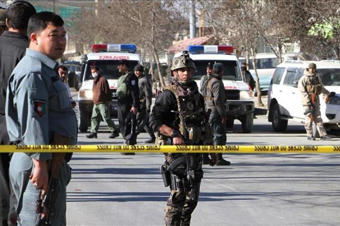 Afganistan'da karakola saldırı: 20 ölü
