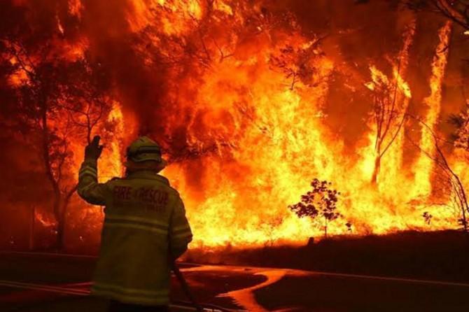 Avustralya'da yangınlar kontrol altına alınamıyor
