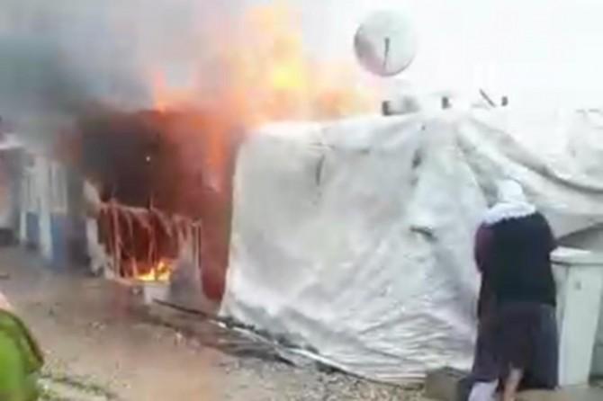 Depremzedenin kaldığı konteynırda yangın