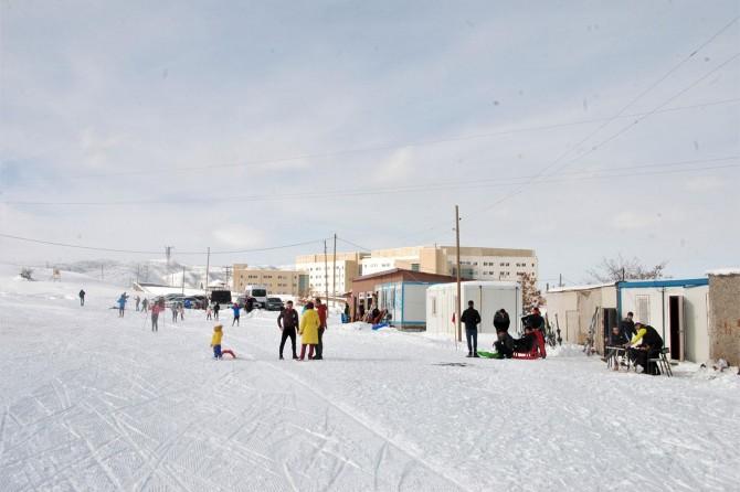 Bitlis'te kayak sezonu il birinciliği elemeleriyle başladı