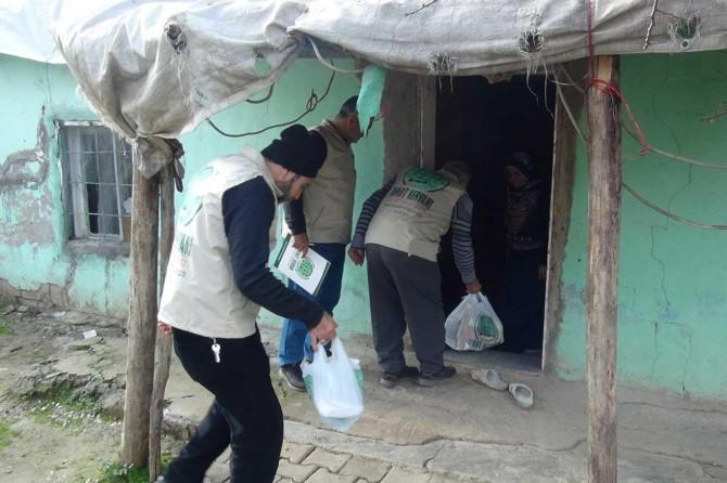 Yetim ve muhtaçlara yardımlar devam ediyor