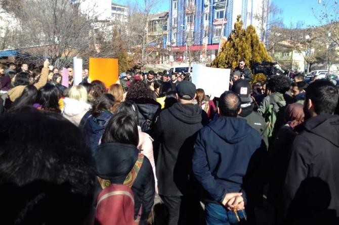 Kayıp Gülistan Doku'nun arkadaşlarından basın açıklaması