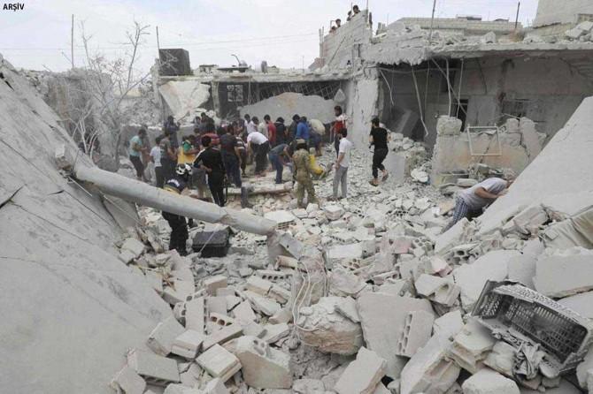İdlib'te hava saldırısı: 17 ölü