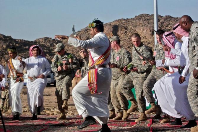 Trump askerlerimizi para karşılığı Suudi Arabistan'a satıyor