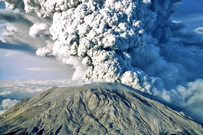 Son bir ay içinde yaşanan volkanik patlamalar dikkat çekiyor
