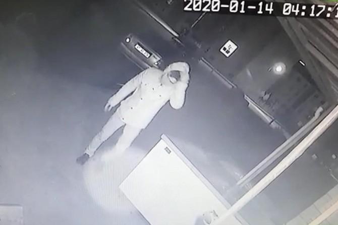 Diyarbakır'da TOKİ Sosyal Konutlarda hırsızlık anı anbean kameralara yansıdı