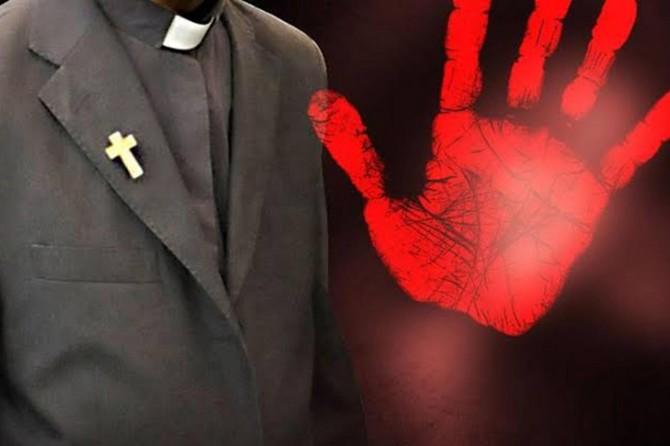 Cinsel istismarda bulunduğunu itiraf eden papaz: Ben değil kilise suçlu