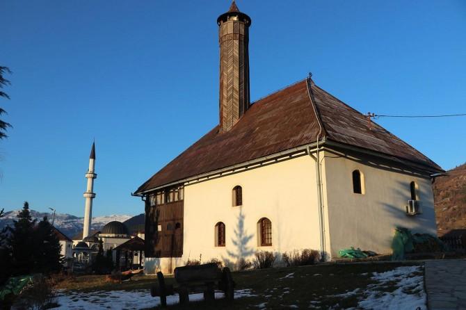 Karadağ'da inşa edilen ilk camide 5 asırdır ezanlar hiç susmadı