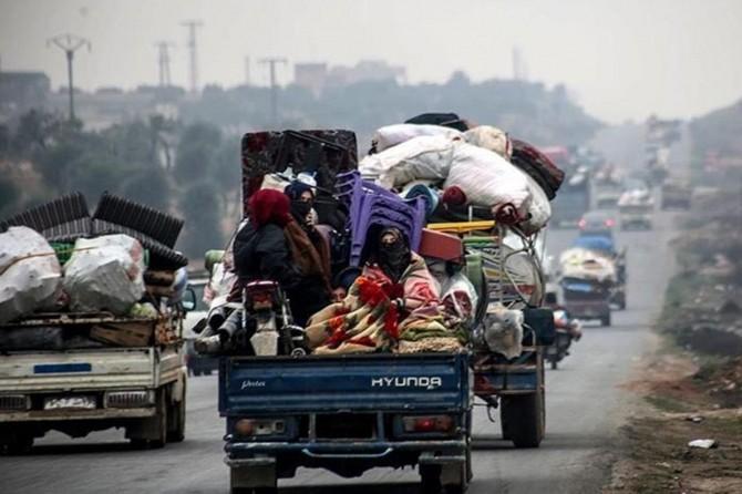 İdlib'teki siviller göç etmeye devam ediyor