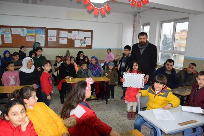 Viranşehir'de öğrencilerin yarıyıl karne sevinci