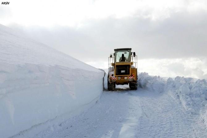 Etkili olan kar nedeniyle yaklaşık 500 yerleşim yeri ulaşıma kapandı