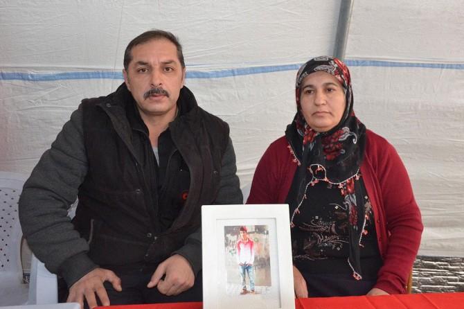 Evlat nöbetine 2 aile daha katıldı
