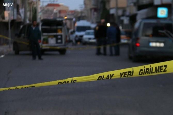 Üvey abisini tüfekle vurarak öldürdü