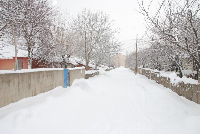 Doğu Anadolu'da yoğun kar yağışı: 465 yerleşim birimi ulaşıma kapandı