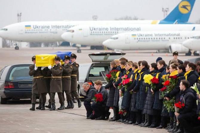 Uçak kazasında ölenler Ukrayna'ya teslim etti