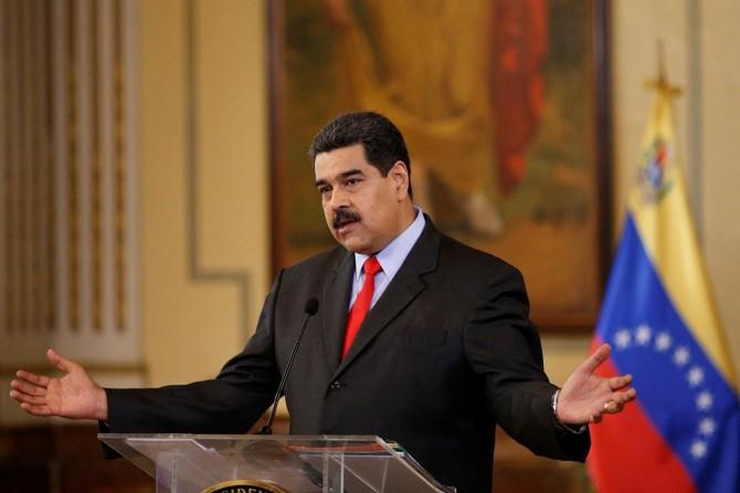 Maduro: Venezüellalılar Katolik Kilisesini büyük ölçüde terk ediyorlar