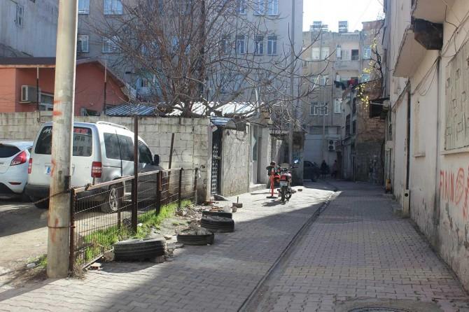 Mahalle sakinleri yetkililerden hizmet bekliyor