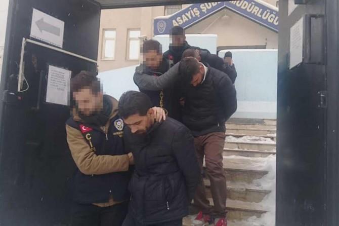 Van'da girdikleri evdeki şahısları darp edip gasp eden 3 kişi tutuklandı
