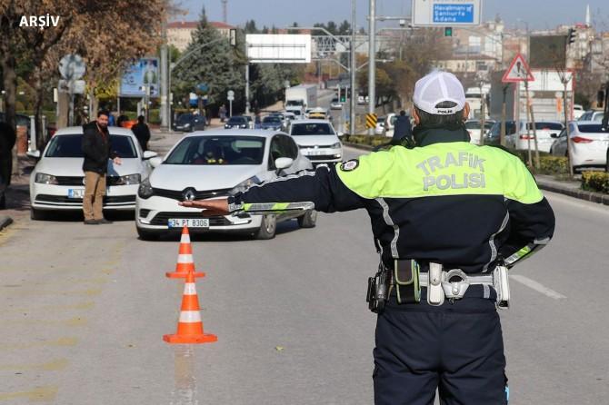 Gaziantep'teki denetimlerde kural ihlali yapan sürücülere para cezası verildi