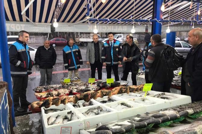 Diyarbakır'da su ürünleri kontrol ve denetimi kapsamında balık satılan yerler denetlendi
