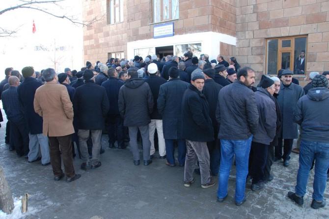 Şeyh Abdülkerim Çevik'in taziyesine insanlar akın etmeye devam ediyor