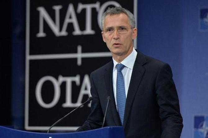 NATO Genel Sekreteri Jens Stoltenberg, Irak'ta kalmaya devam edeceklerini açıkladı