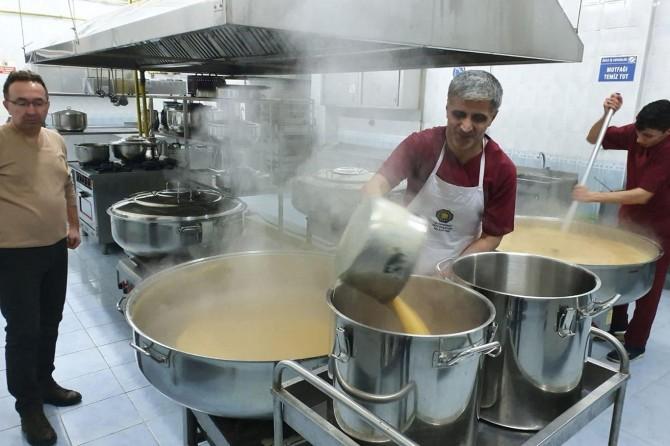 Diyarbakır Valiliğinden depremzedelere barınma ve aş yardımı