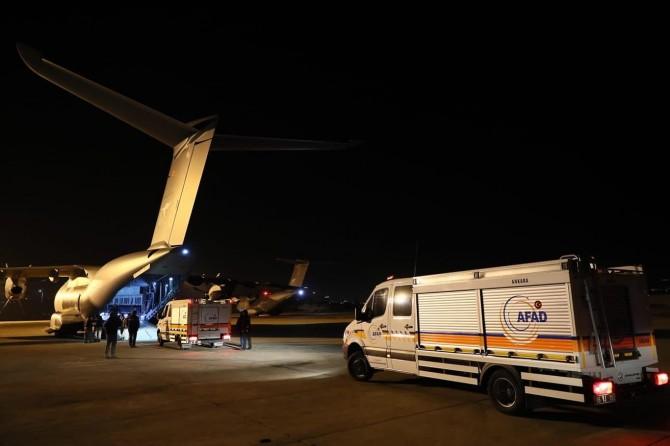 AFAD'ın İstanbul ve Ankara arama kurtarma ekipleri 2 uçakla yola çıktı