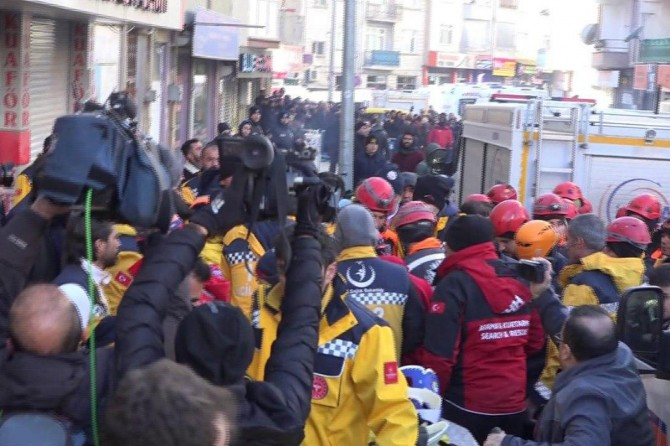Rescue and search works continues after earthquake in eastern Turkey