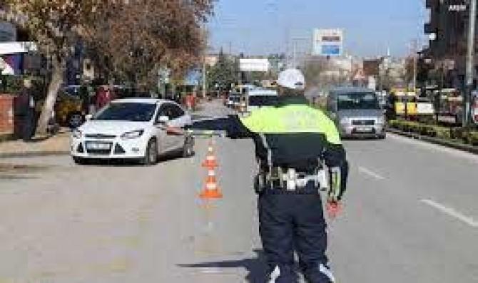 Trafik kuralı ihlali yapan dört bin sürücüye para cezası verildi