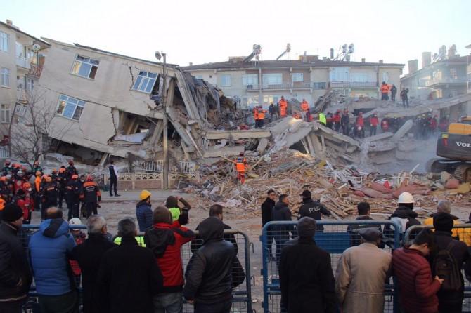 AFAD'dan deprem bölgesine 4 milyon lira acil yardım ödeneği