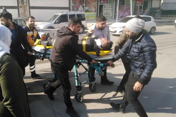 Otomobiller kafa kafaya çarpıştı: Bir yaralı