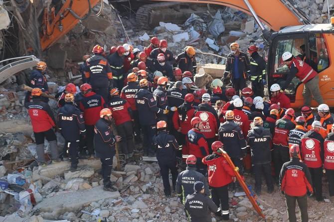 Elazığ'daki depremde enkaz altındaki son kişi de çıkarıldı