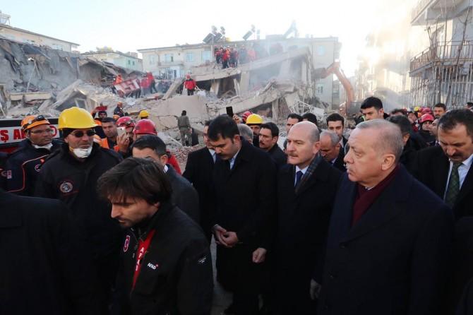 Cumhurbaşkanı Erdoğan, Elâzığ'a destek olan hayırseverlere teşekkür etti