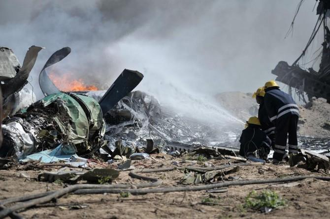 Cezayir'de askeri eğitim uçağı düştü 2 pilot hayatını kaybetti