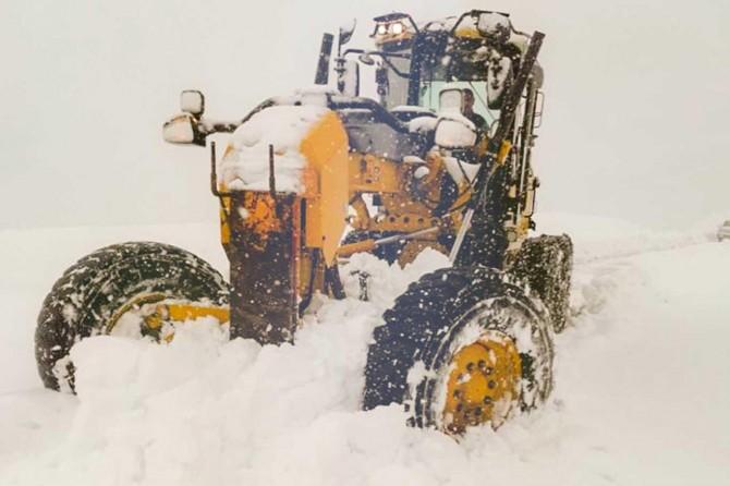 Kar yağışı nedeniyle kapanan 187 köy yolu ulaşıma açıldı