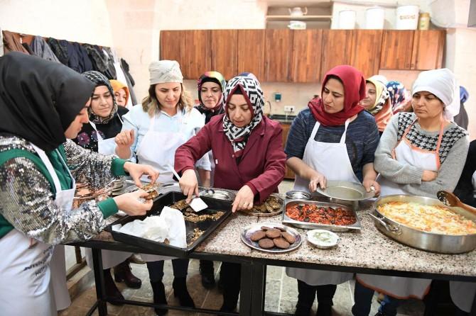 """Şanlıurfa'da kadınlara yönelik """"yöresel yemek kursu"""" başladı"""