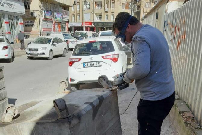 Bağlar Belediyesi çöp konteynerlerini tamir ederek tasarruf sağlıyor